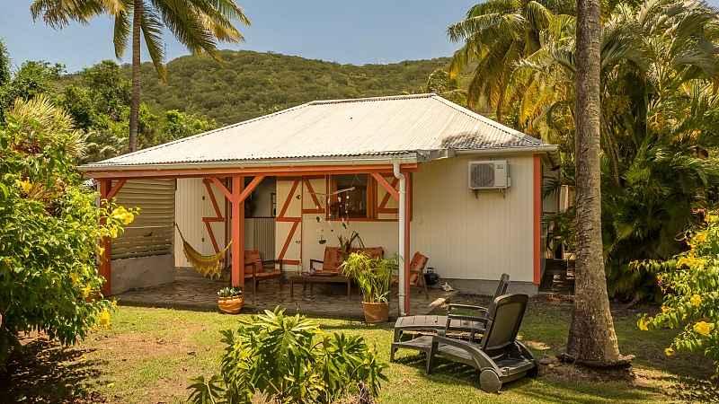 Les Jardins De Pointe Noire Bungalows And Villa With Pool To Rent